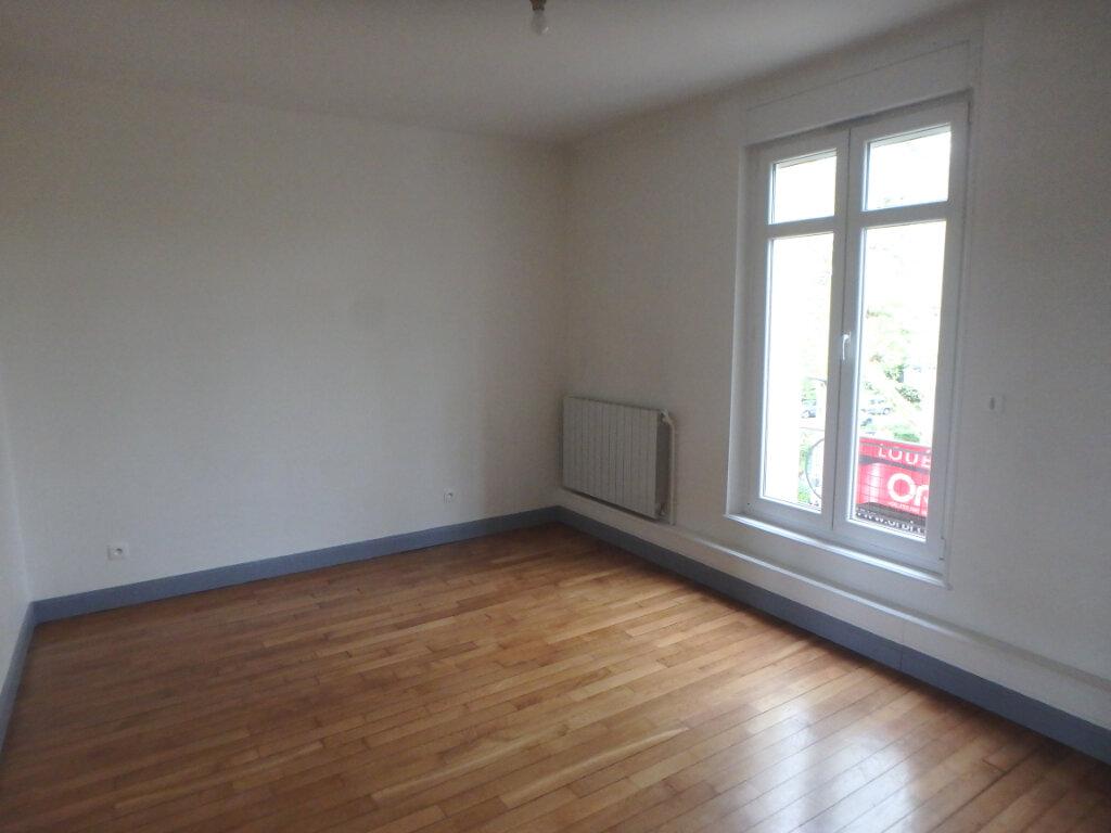 Appartement à louer 3 63.65m2 à Metz vignette-1