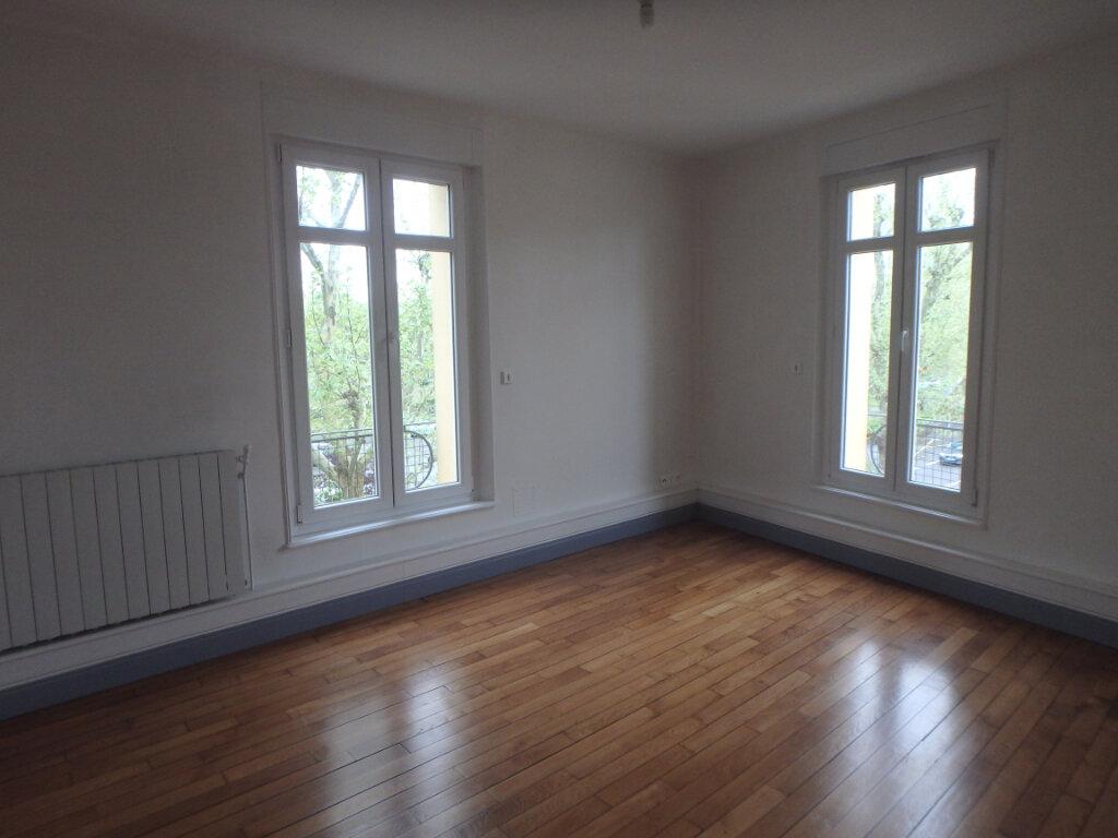 Appartement à louer 3 63.65m2 à Metz vignette-5