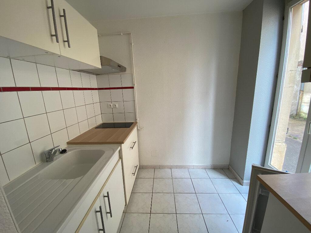 Appartement à louer 2 33.17m2 à Metz vignette-2