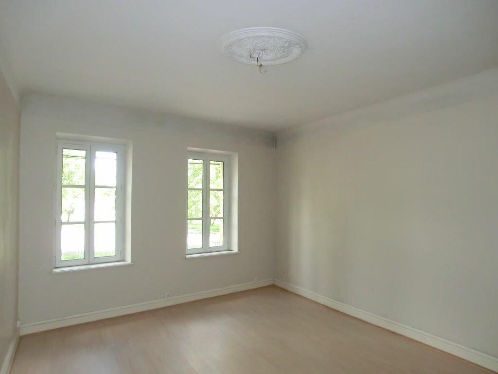 Appartement à louer 2 49.97m2 à Metz vignette-1