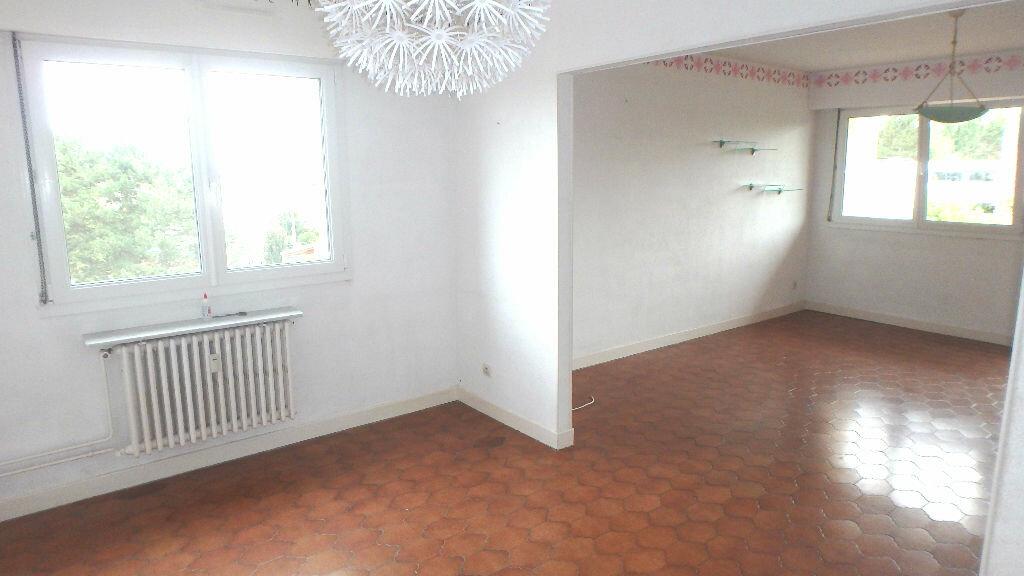 Appartement à louer 4 90m2 à Montigny-lès-Metz vignette-2