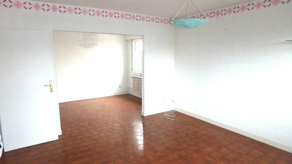 Appartement à louer 4 90m2 à Montigny-lès-Metz vignette-3