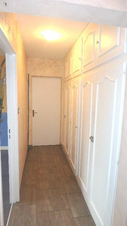 Appartement à louer 4 90m2 à Montigny-lès-Metz vignette-5