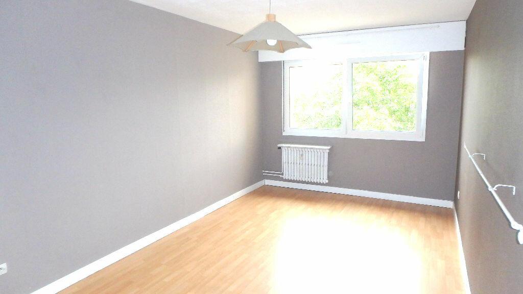 Appartement à louer 4 90m2 à Montigny-lès-Metz vignette-6