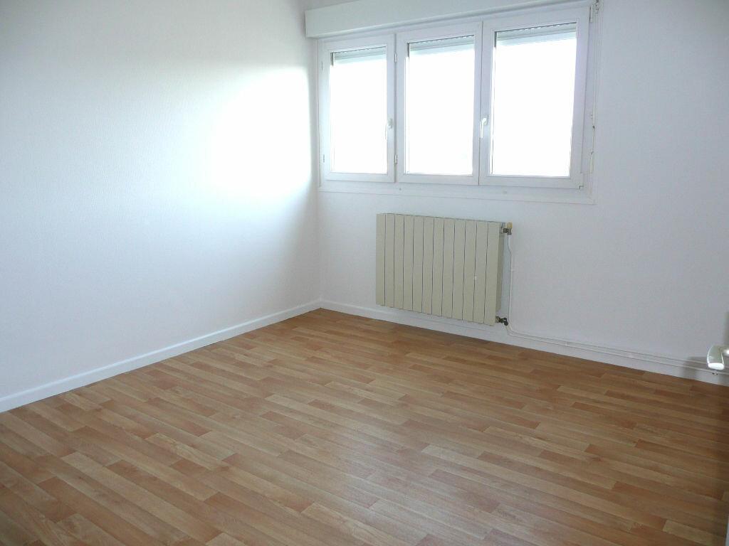 Appartement à louer 5 87.58m2 à Metz vignette-4