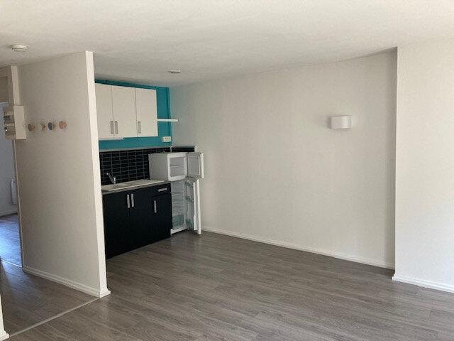 Appartement à louer 2 41.94m2 à Metz vignette-3
