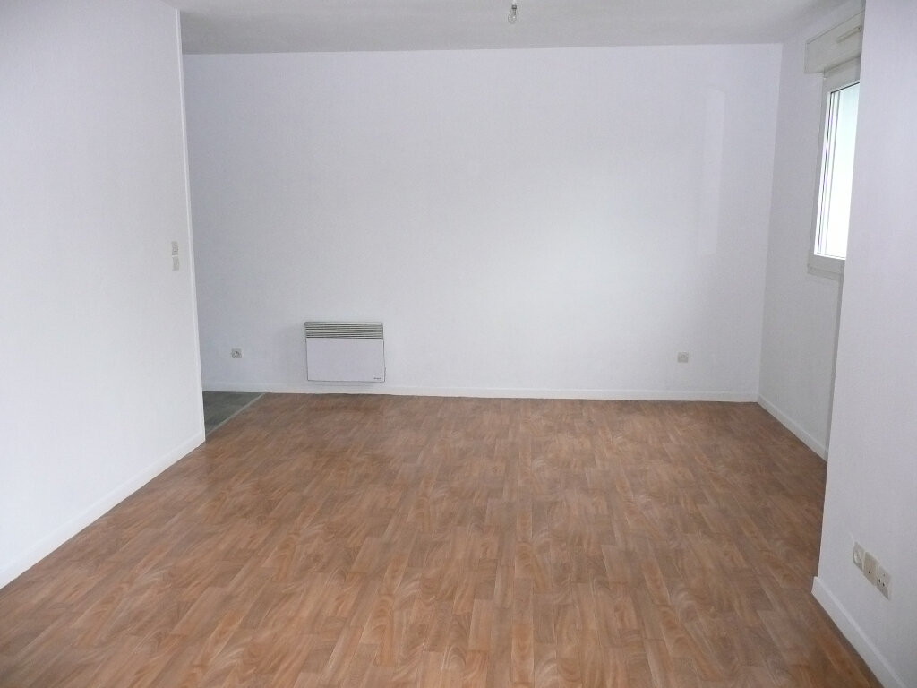 Appartement à louer 1 31.78m2 à Metz vignette-2