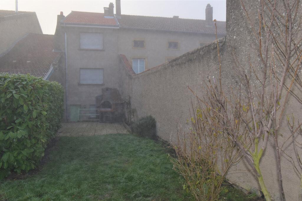 Maison à louer 3 115m2 à Luttange vignette-1