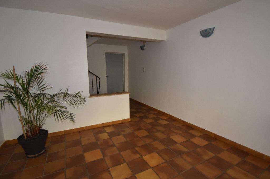 Maison à louer 3 115m2 à Luttange vignette-2