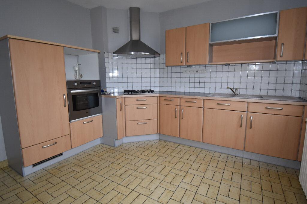 Maison à louer 3 115m2 à Luttange vignette-4
