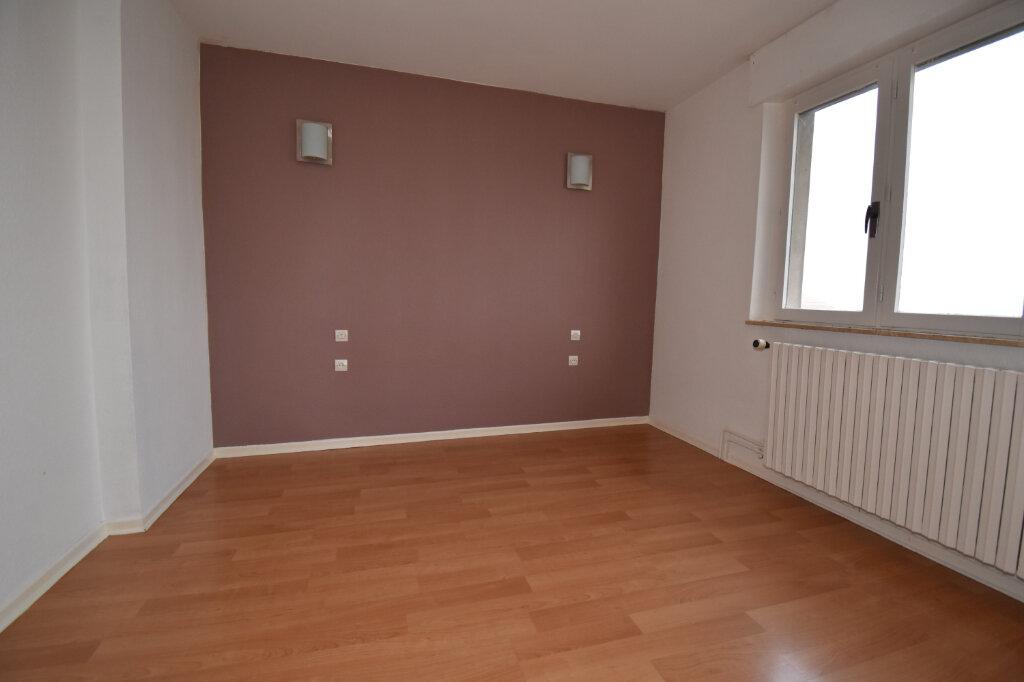 Maison à louer 3 115m2 à Luttange vignette-5