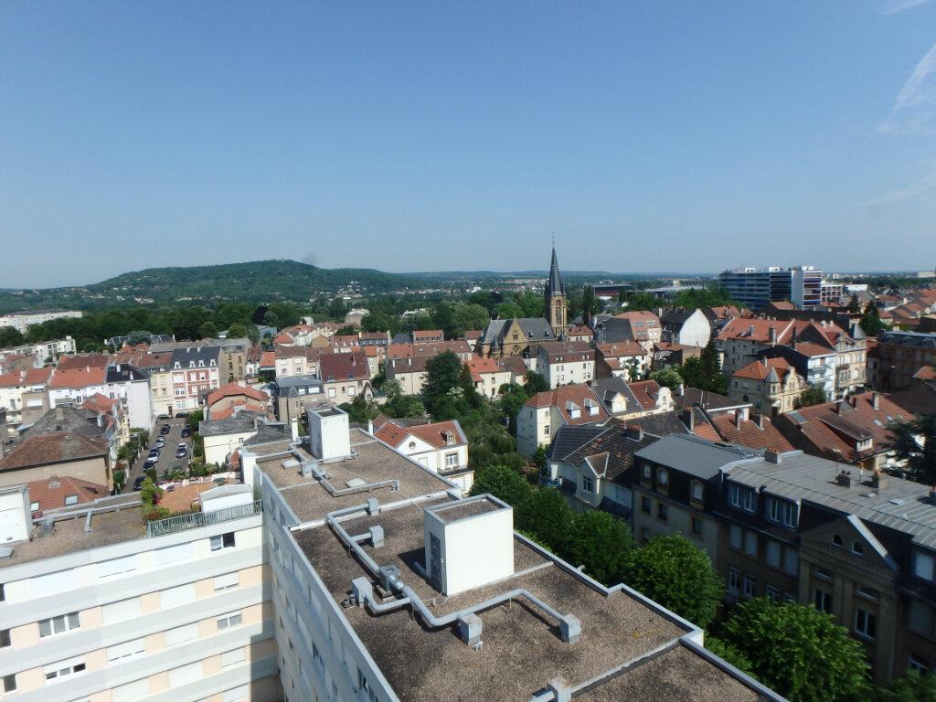 Appartement à louer 2 53.75m2 à Metz vignette-3