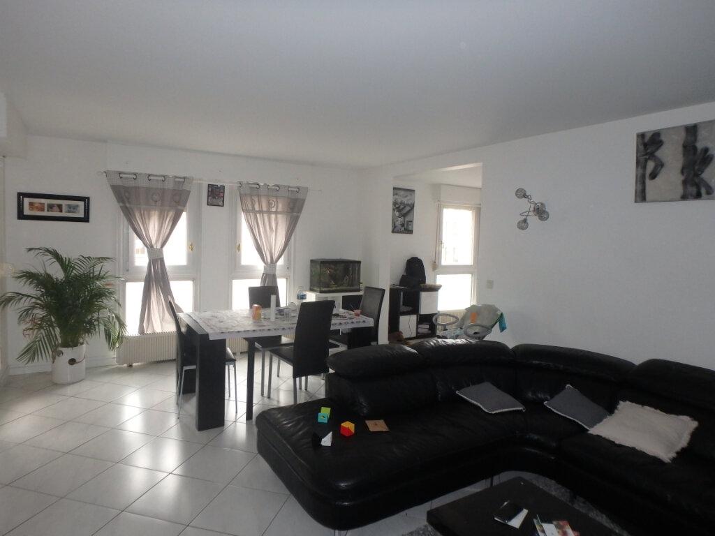 Appartement à vendre 5 112m2 à Metz vignette-1