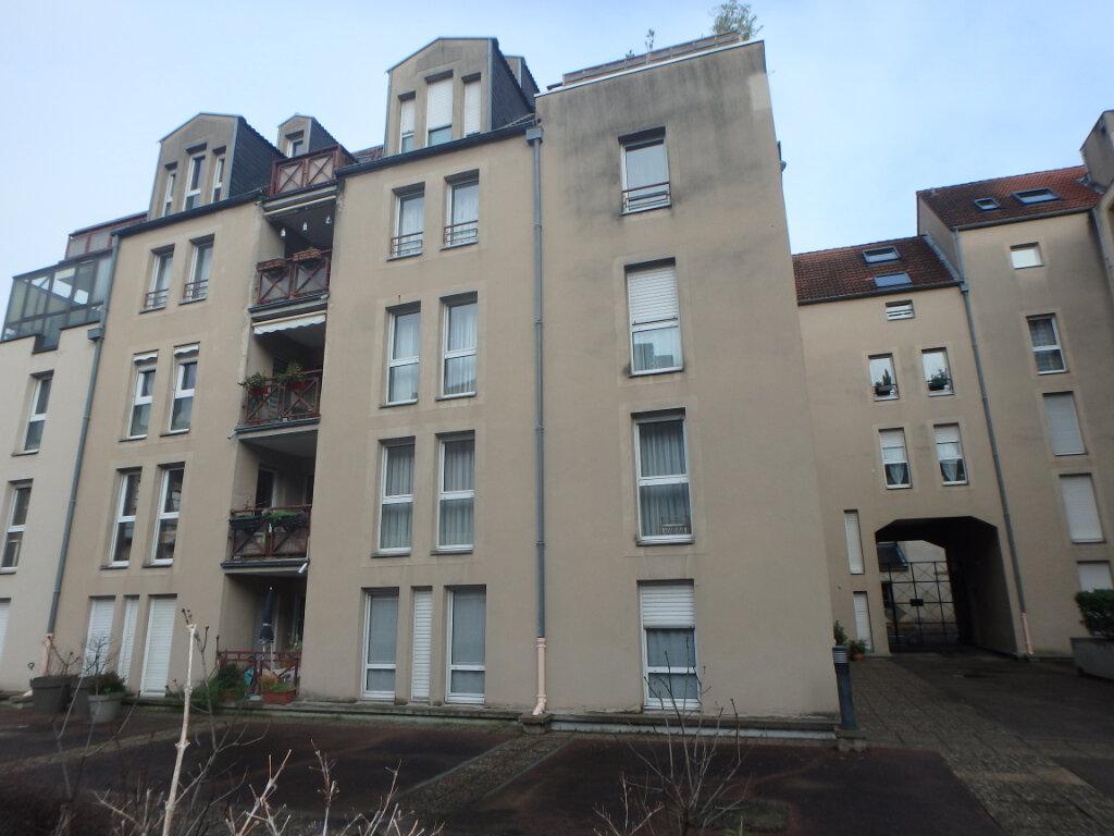 Appartement à vendre 5 112m2 à Metz vignette-2