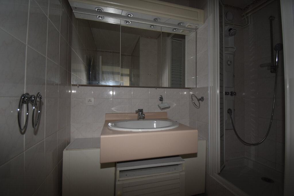 Appartement à vendre 5 112m2 à Metz vignette-3