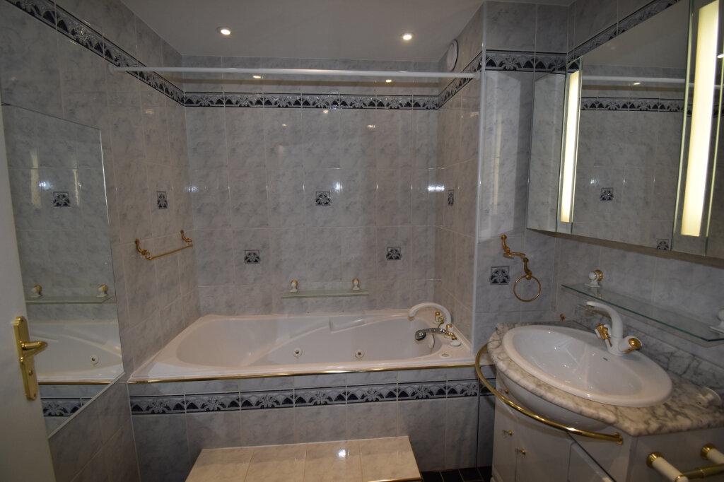 Appartement à vendre 5 112m2 à Metz vignette-7