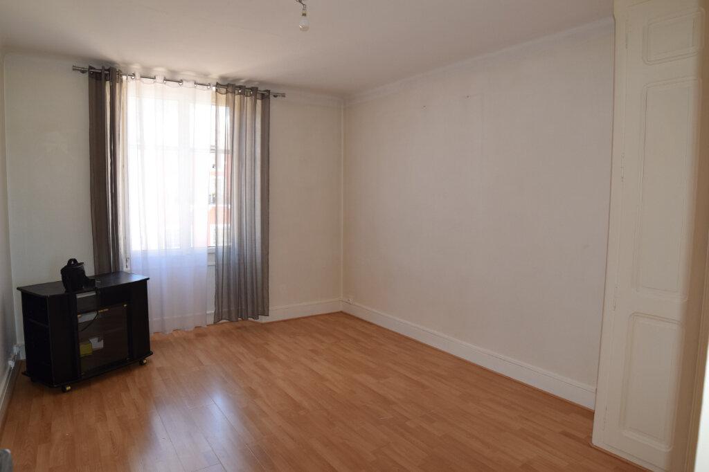 Appartement à louer 2 48.63m2 à Gex vignette-3