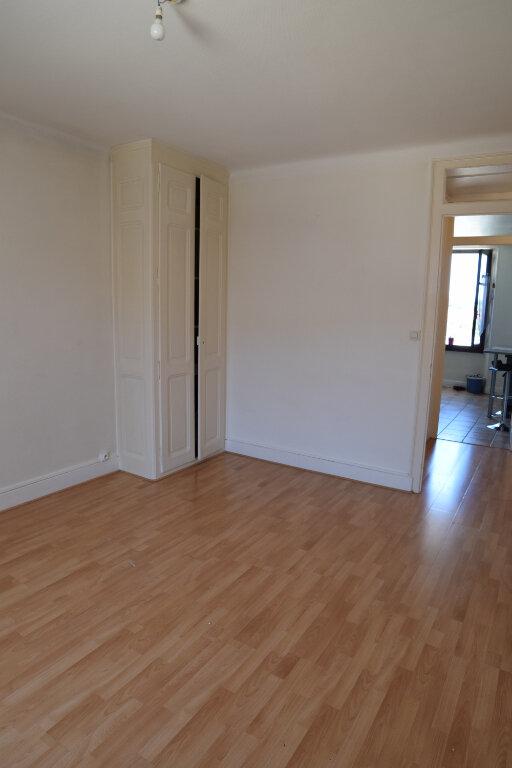 Appartement à louer 2 48.63m2 à Gex vignette-4