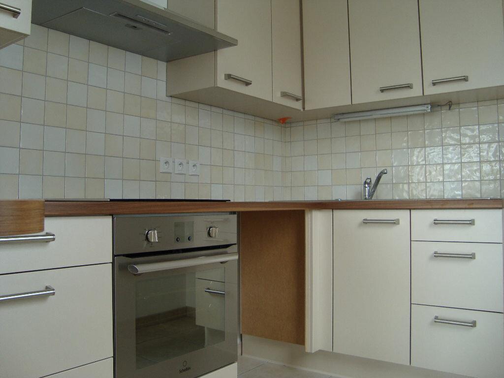 Appartement à louer 3 66.77m2 à Prévessin-Moëns vignette-4