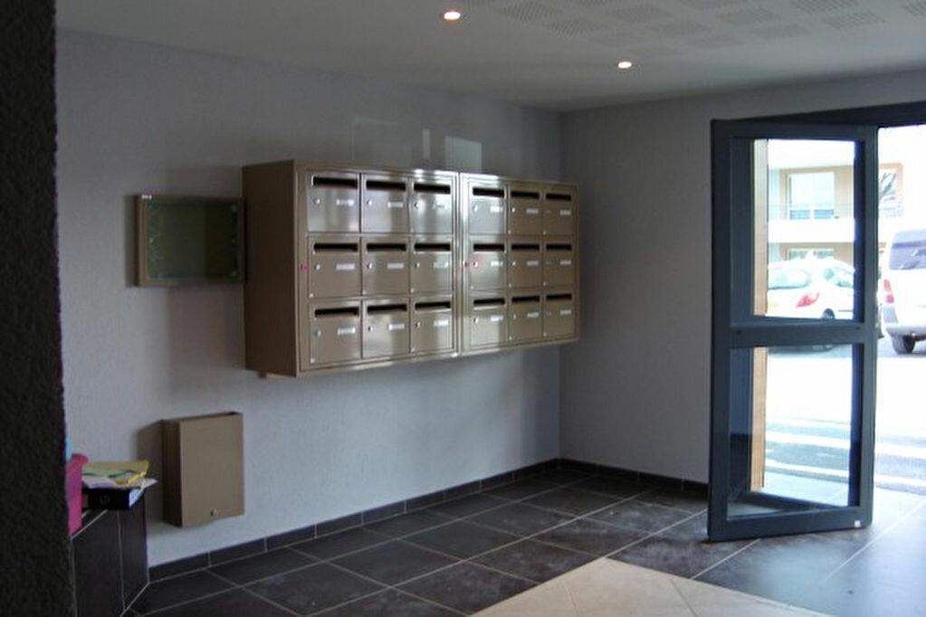 Appartement à louer 3 66.77m2 à Prévessin-Moëns vignette-6