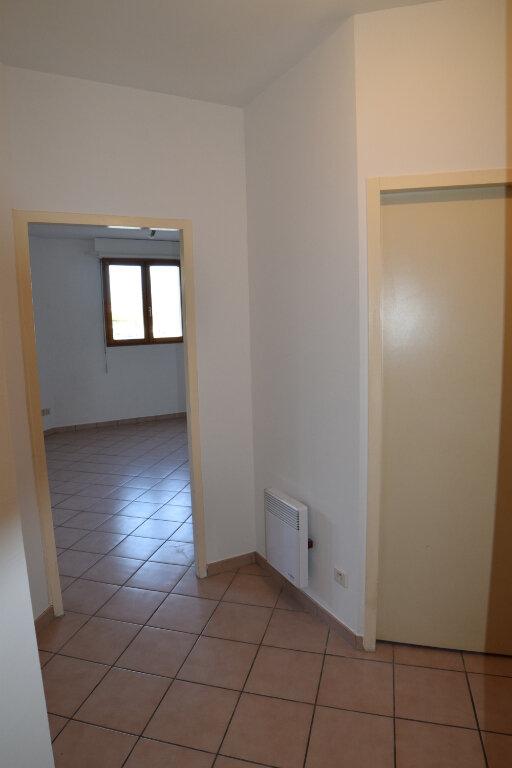 Appartement à louer 2 46m2 à Gex vignette-7