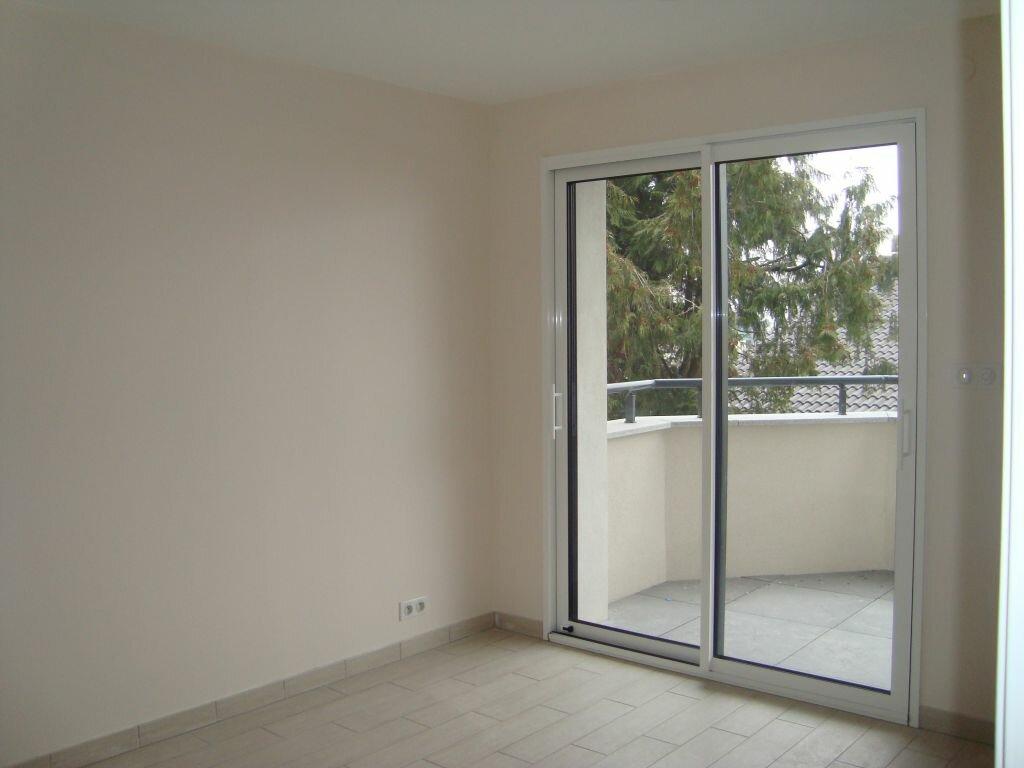 Appartement à louer 4 85.1m2 à Cessy vignette-3