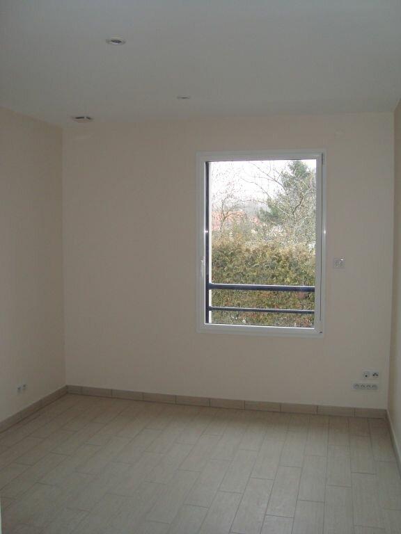 Appartement à louer 4 85.1m2 à Cessy vignette-4