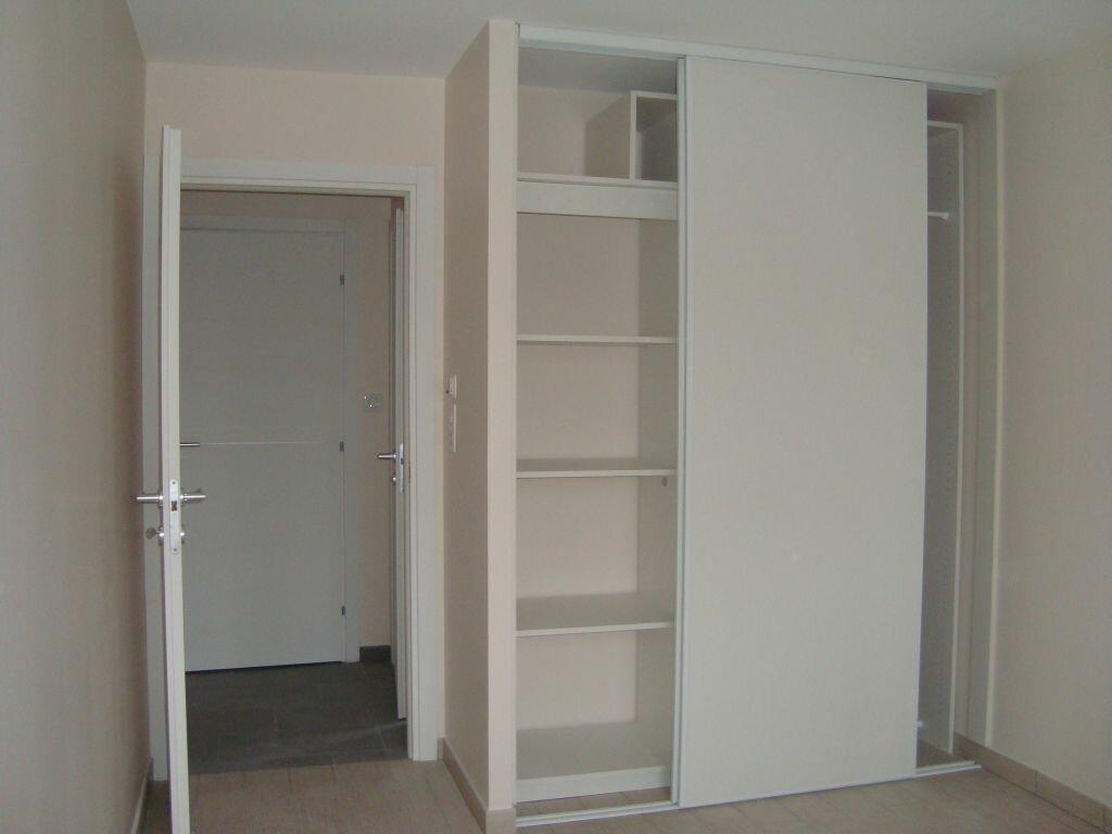 Appartement à louer 4 85.1m2 à Cessy vignette-6