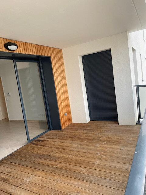 Appartement à louer 3 65.49m2 à Gex vignette-2