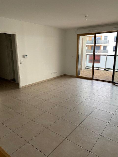 Appartement à louer 3 65.49m2 à Gex vignette-5