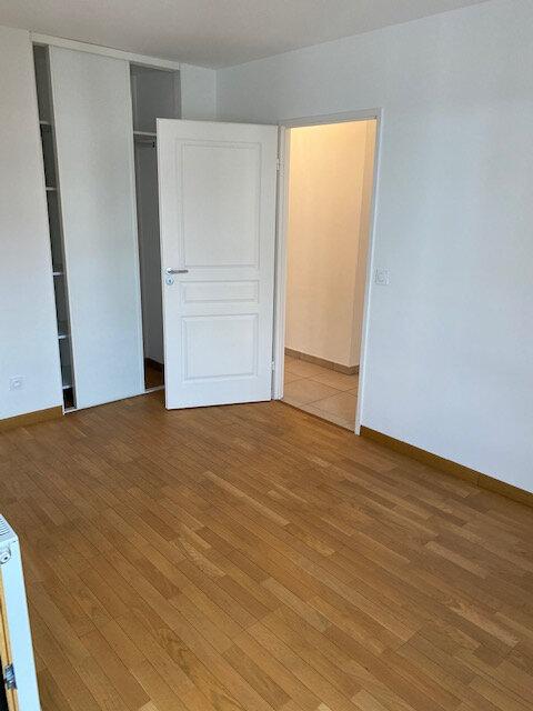 Appartement à louer 3 65.49m2 à Gex vignette-8