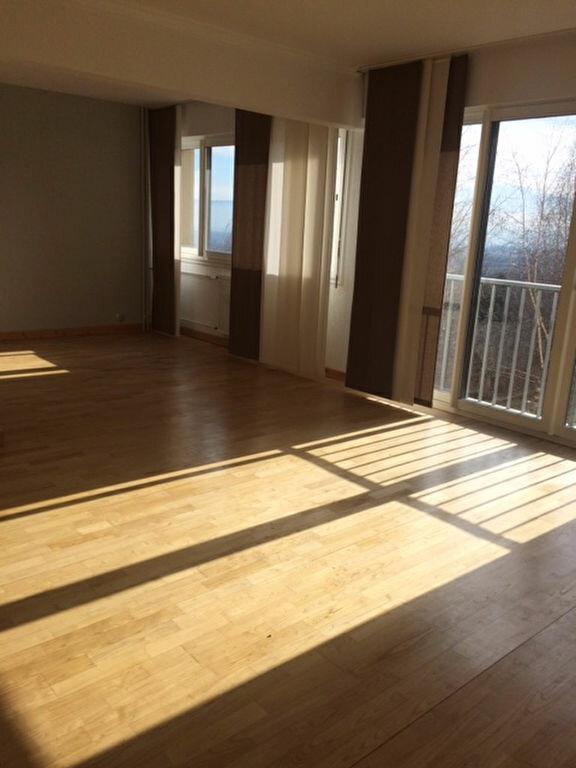 Appartement à louer 3 78.7m2 à Gex vignette-1