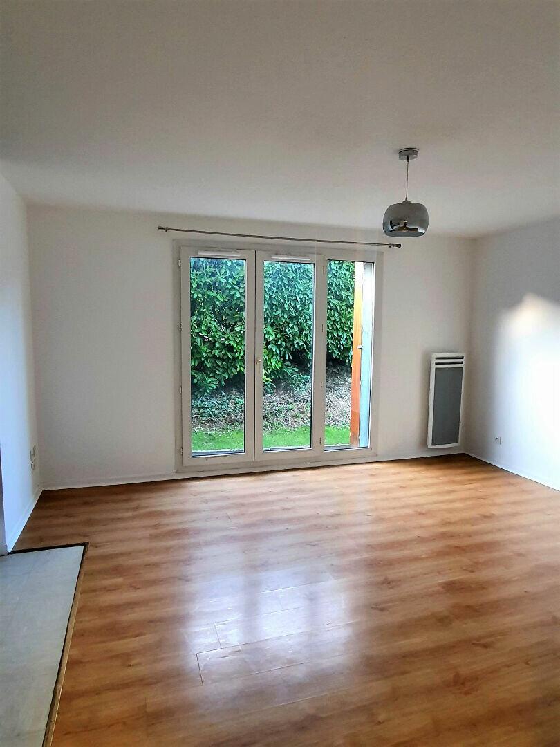Appartement à louer 2 41m2 à Gex vignette-2
