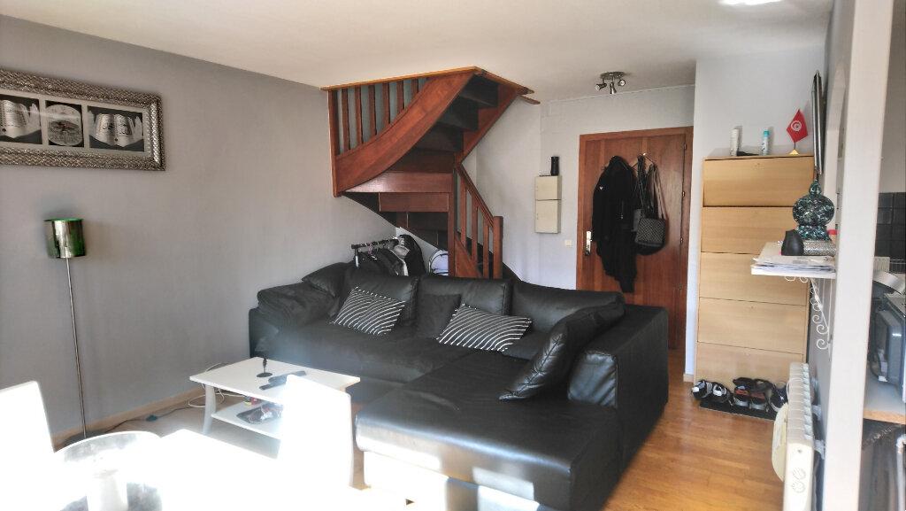 Appartement à vendre 3 60.89m2 à Gex vignette-2