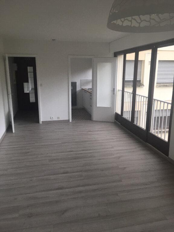 Appartement à louer 1 31.46m2 à Gex vignette-1