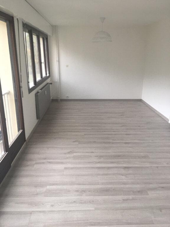 Appartement à louer 1 31.46m2 à Gex vignette-4
