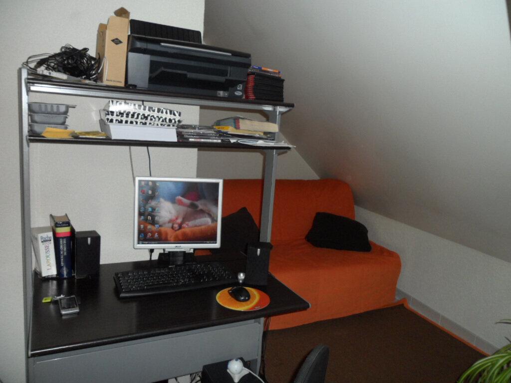 Appartement à louer 4 114.9m2 à Gex vignette-8