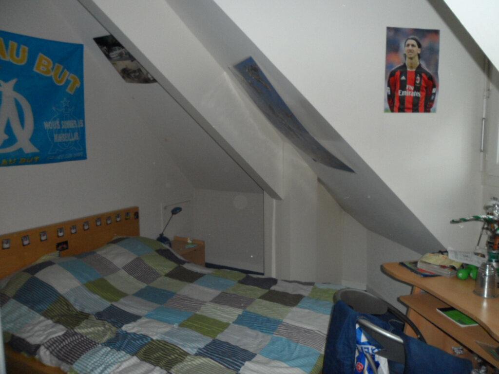 Appartement à louer 4 114.9m2 à Gex vignette-11