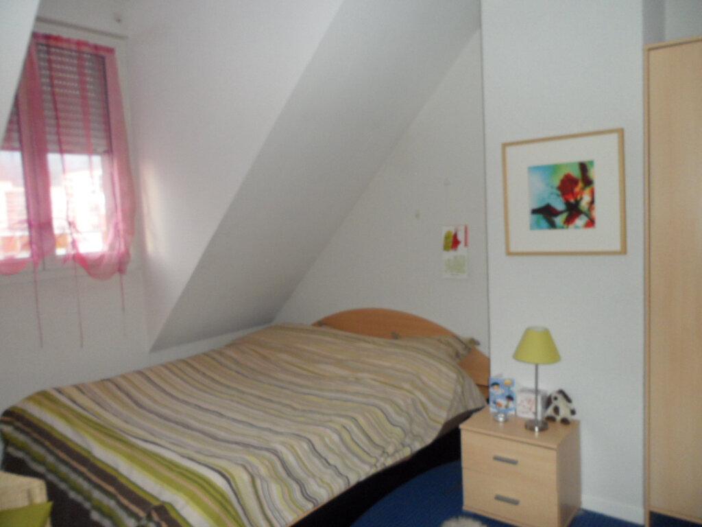 Appartement à louer 4 114.9m2 à Gex vignette-12
