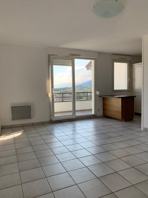 Appartement à louer 4 82m2 à Gex vignette-3