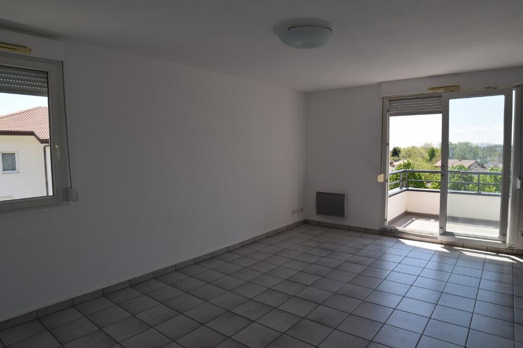 Appartement à louer 4 82m2 à Gex vignette-6