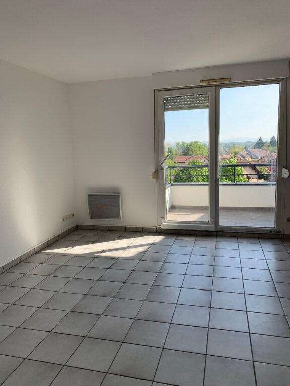 Appartement à louer 4 82m2 à Gex vignette-9