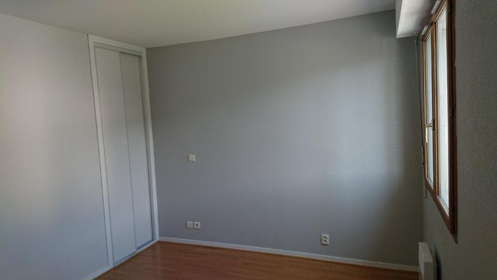 Appartement à louer 2 55.81m2 à Gex vignette-6