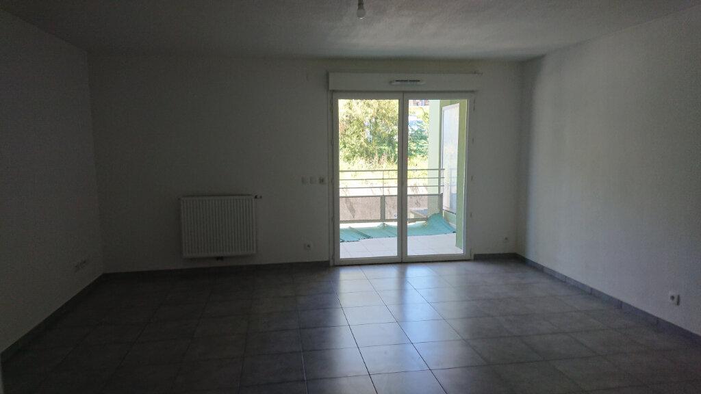 Appartement à louer 2 53.93m2 à Gex vignette-5