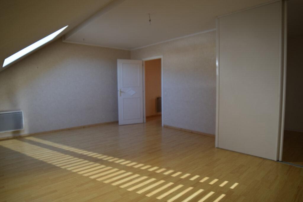 Appartement à louer 4 129.84m2 à Gex vignette-5