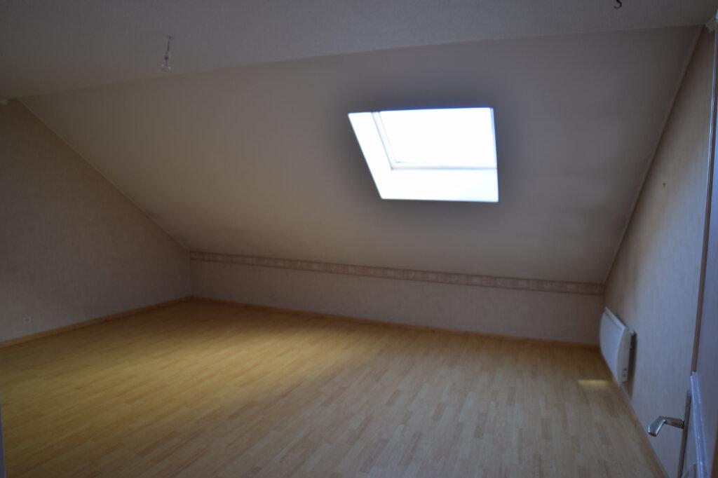 Appartement à louer 4 129.84m2 à Gex vignette-11
