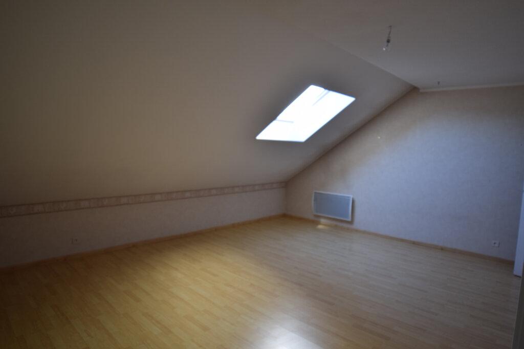 Appartement à louer 4 129.84m2 à Gex vignette-12