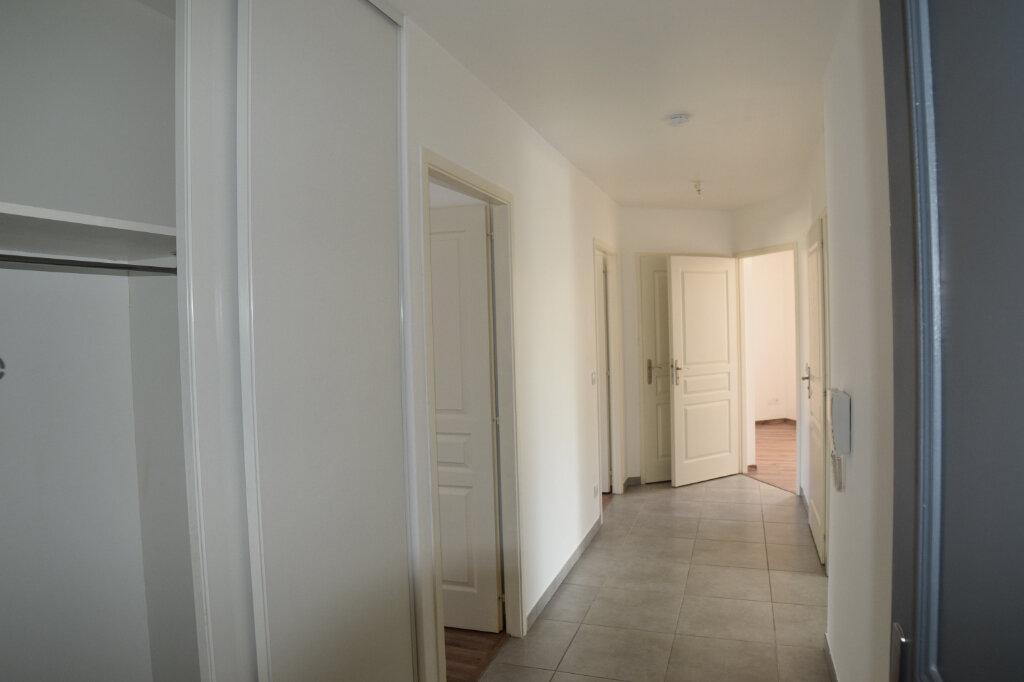 Appartement à vendre 4 76.08m2 à Gex vignette-3