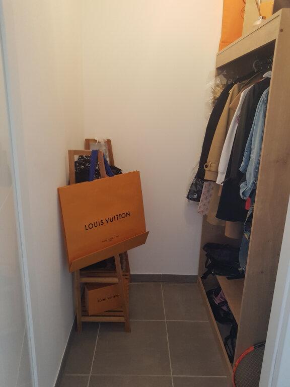 Appartement à louer 4 88.96m2 à Divonne-les-Bains vignette-8