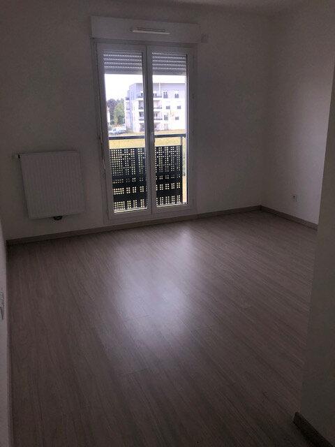 Appartement à louer 3 73.58m2 à Saint-Genis-Pouilly vignette-4